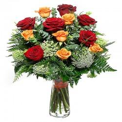 Florero de Rosas Amarillas y Rojas - 12 rosas