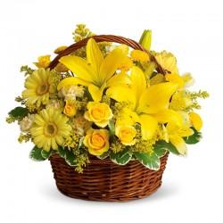 Cesta Mediana de 12 Rosas Flores y Liliums Amarillas