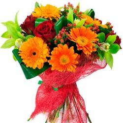 Ramo de Flores Gerberas Naranjas y Rosas Rojas más Flores Mix