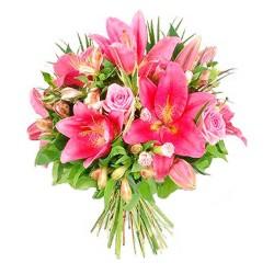 Ramo de Flores en Tonos Rosa con Liliums Rosas Gerberas y Flores Mix