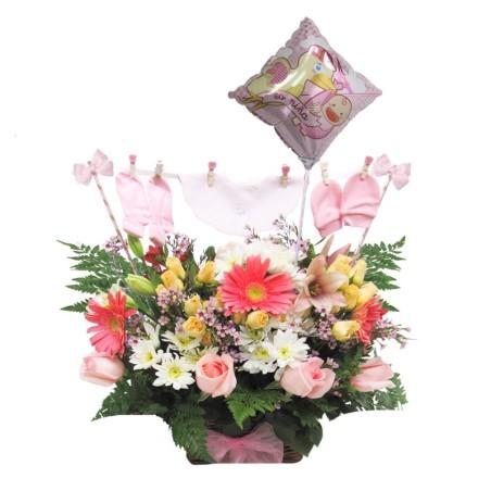 Flores Nacimiento con Ropita Es una Nina