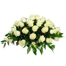 Ovalo con 30 Rosas Blancas para Condolencia