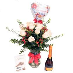 Florero con 12 Rosas Rosadas para Aniversario más Chocolates y Champagne