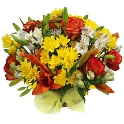 Cesta Mediana con  Liliums Rosas y Flores Mix Tonos Naranjos