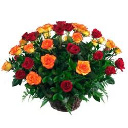 Cesta de 24 Rosas Circus y Rojas