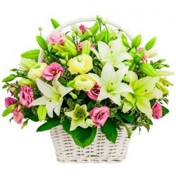 Condolencia en Cesta con Rosas y Liliums
