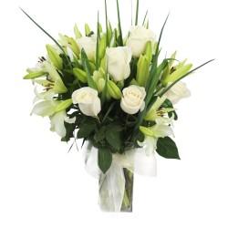 Florero Para Condolencias 12 Rosas y 10 liliums Blancos